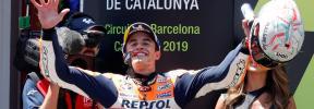 Márquez sonríe en Barcelona tras salvarse de la 'escabechina' de Lorenzo
