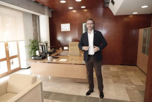 José Hila en su despacho.