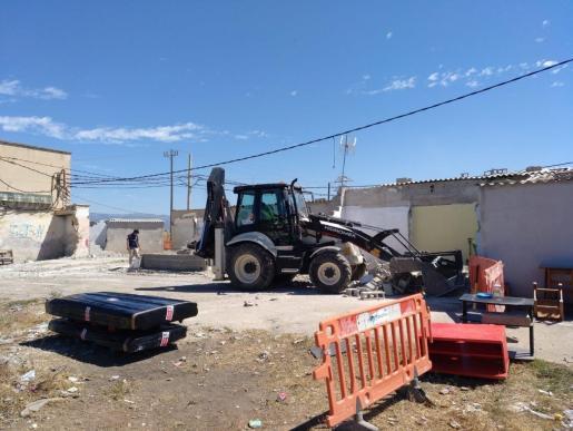 Continúa el desmantelamiento de Son Banya con el derribo de una docena de viviendas que se habían vuelto a construir.
