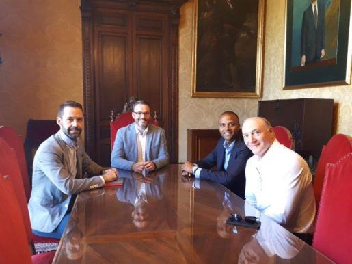 Francisco Ducrós, José Hila, Maheta Molango y Andy Kohlberg, este miércoles, en Cort.