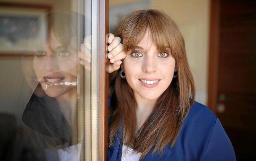 La directora y guionista del documental, Victòria Morell, durante la entrevista.