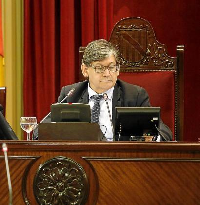 Vicenç Thomàs, que la pasada legislatura ya ocupó un cargo en la Mesa, será escogido este jueves previsiblemente presidente del Parlament.