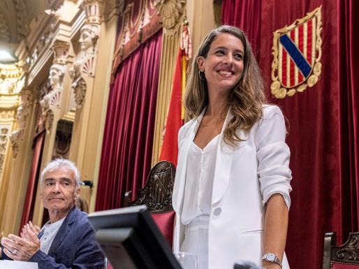 La diputada de Unidas Podemos, Gloria Santiago, la vicepresidenta de la Cámara balear.