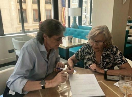 Marta Higueras y Manuela Carmena.