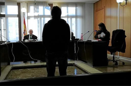 El imputado, el pasado mes de octubre, en una sala de lo Penal de Palma.