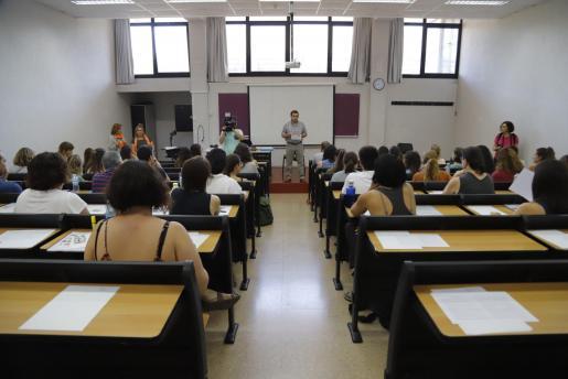 La primera prueba de las oposiciones se ha celebrado en el Guillem Cifre de Colonya de la Universitat de les Illes Balears (UIB).