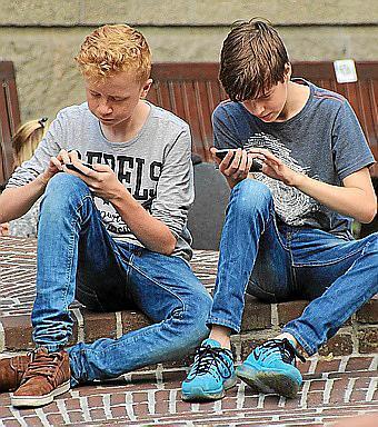 Algunas recomendaciones para dejar usar a tus hijos el teléfono móvil.