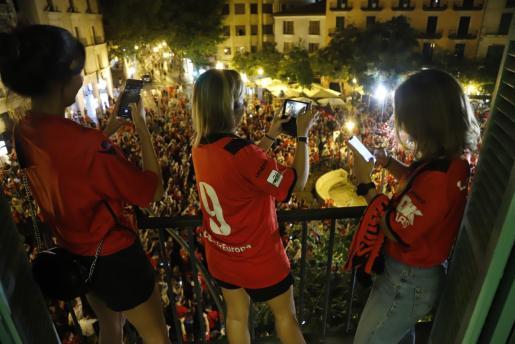 La plaza de las Tortugas acogerá de nuevo la celebración del ascenso. Este lunes con la presencia de los jugadores que lo han hecho posible.