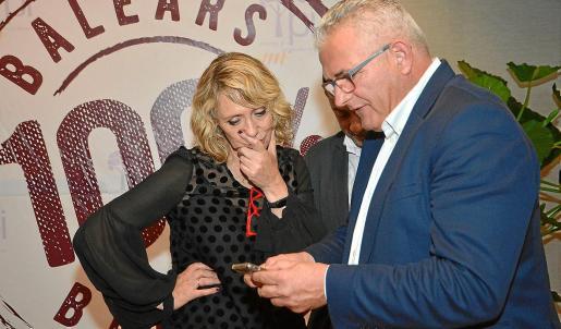 La diputada Lina Pons y el diputado Jaume Font, del PI, durante la campaña electoral.