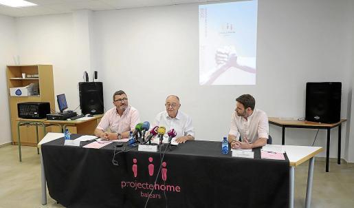 Jesús Mullor, Bartomeu Català y Francisco Antoñete, en la presentación de la memoria.