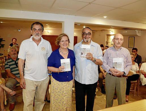 Arie Girdondí, Rosa Planas, Miquel Segura y Lleonard Muntaner, este martes.