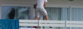 Balconing: Calvià multa a tres turistas