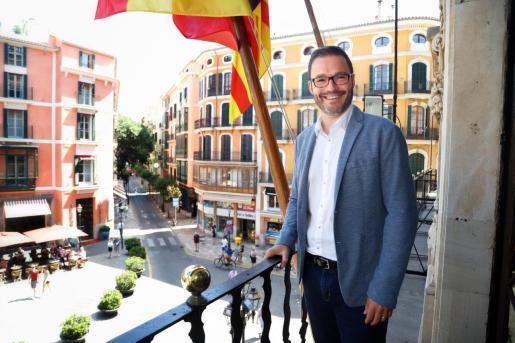 Palma Ayuga local Jose Hila alcalde