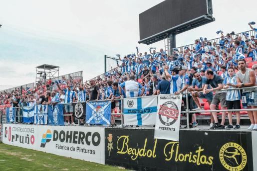 Imagen del grupo de aficionados del Atlético Baleares que viajaron el pasado fin de semana a Miranda.