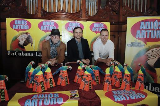 La compañía 'La Cubana' presentando su actuación 'Adiós Arturo'.