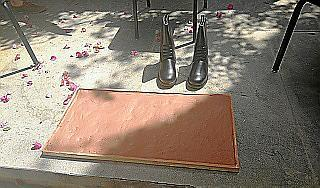 En el acto de presentación se recogieron las huellas de las botas utilizadas por el comandante Francisco José Domingo. Se le hará una placa.
