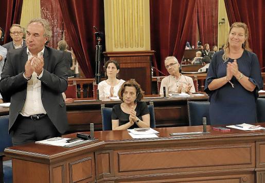 La cara de Fina Santiago tras escuchar el discurso de investidura de Francina Armengol ya reflejaba el malestar por la decisión de la dirección de Més.