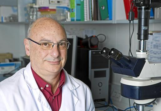 Francisco J. Martínez Mojica es microbiólogo, investigador y profesor en la Universidad de Alicante.