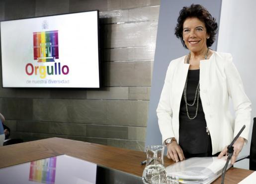 La portavoz del Gobierno en funciones, Isabel Celaá, durante la rueda de prensa posterior al Consejo de Ministros.