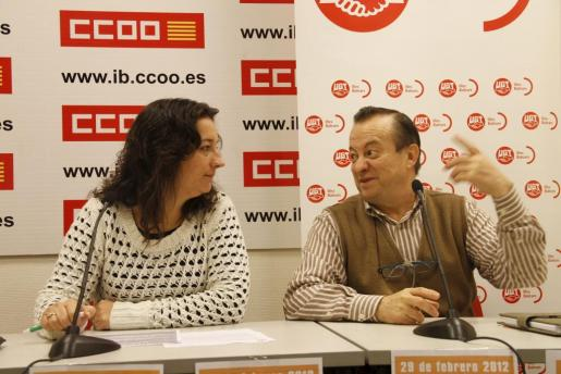 Katiana Vicens y Lorenzo Bravo, durante la rueda de prensa que han ofrecido esta mañana.