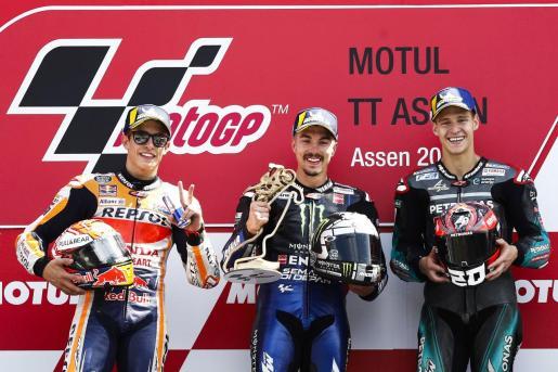 Marc Márquez, Maverick Viñales y Fabio Quartararo, tras el gran premio de los Países Bajos de MotoGP.