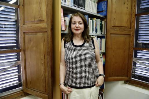 Mari-Àngels Roque, el viernes en la Biblioteca de Andratx, donde se homenajeó a su marido.