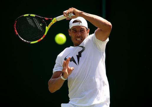 Imagen de Rafael Nadal durante un entrenamiento en Wimbledon.
