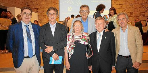 Antoni Bennàssar, Miquel Roca, Teresa Martínez, Javier Cortés, Alfonso Ballesteros y Josep Vicens.