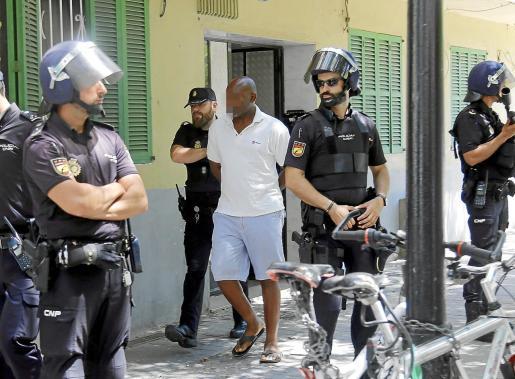 Los cabecillas de la trama fueron arrestados en el número 1 de la plaza Fra Joan Alcina, de Son Gotleu.