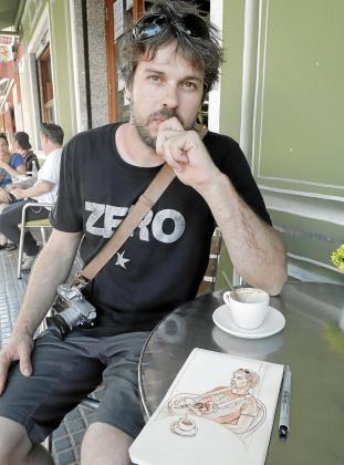 El fotógrafo Tomeu Coll es el comisario de la exposición 'Paco de Lucía en la Isla. Una mirada íntima 2002-2014', con instantáneas de Gabriela Canseco, que organiza el 'Club Ultima Hora' y se inaugurará el viernes 12 en el Aljub de Es Baluard