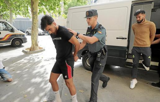 Los cuatro detenidos pasaron a disposición judicial en Palma ayer por la mañana, entre una gran expectación mediática.