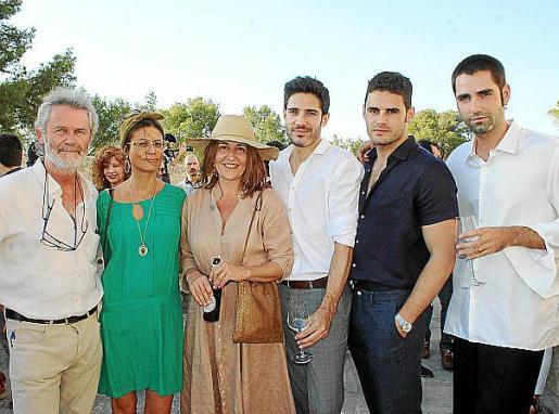 Joan Costa, Yolanda Adrover, María Solivellas, Dani Crespo, Luís Pérez y Pau Aulí.