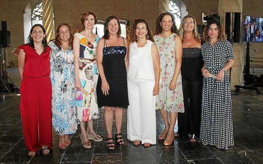 Águeda Quiñonero, Silvana González, Bel Oliver, Francina Armengol, Pilar Costa, Catalina Cladera, Patricia Gómez y Rosario Sánchez.