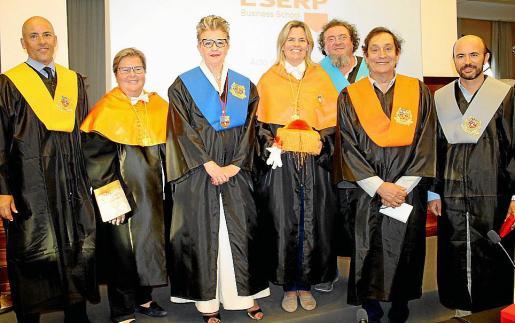 Jesús López, Natalia Enseñat, Rosa María Regí, Carmen Barquero, Miquel Ángel Cerdà, Agustí Villaronga y Rafael Guinea.