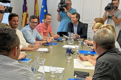 El presidente del PP balear, Gabriel Company, reunió este lunes al comité de dirección.
