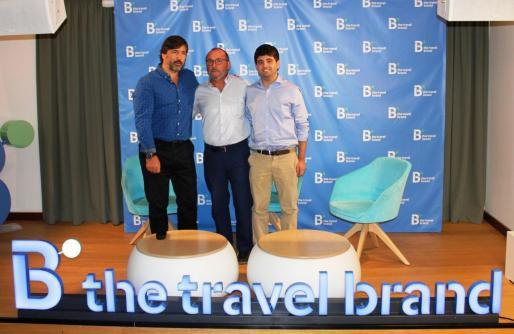 Gabriel Subías, Jordi Mulet y Jordi Riera, en la sede de 'B The Travel Brand'.