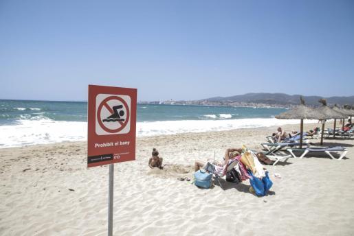 Imagen de la playa de Can Pere Antoni por los recientes vertidos.