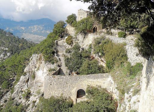 La finca en la que está ubicado el Castell d'Alaró es de propiedad privada y el Consell pretende adquirirla.