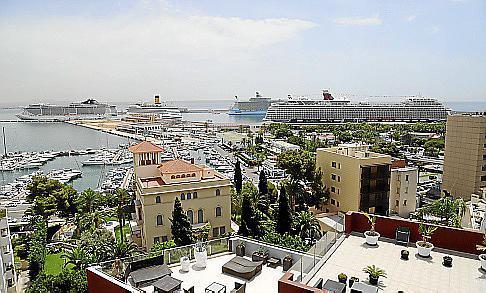 El lunes coincidieron cuatro cruceros en Palma.
