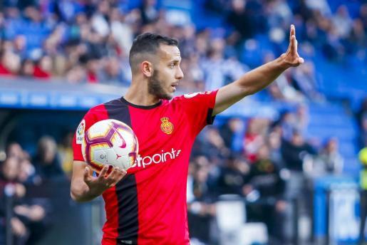 Imagen del lateral del Real Mallorca Joan Sastre durante un partido de la pasada temporada en Riazor.