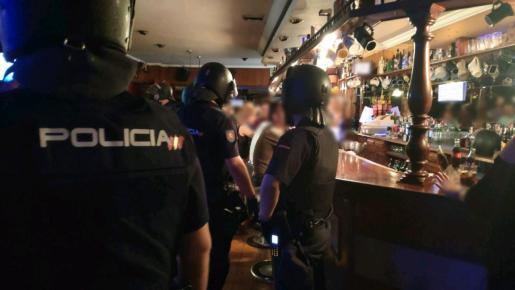 Una de las intervenciones de la policía en un local de ocio de Palma.