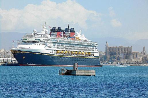 Las escalas de cruceros suben este año en todos los puertos.