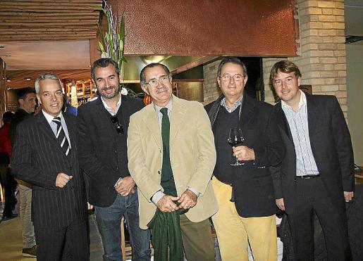Manuel Presa, Bernat Vidal, Juan Nadal, Manolo Montis y Marcos Presa.