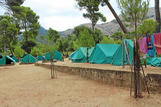 Vista del Campamento de la Victoria, donde han sido realojados grupos del albergue.