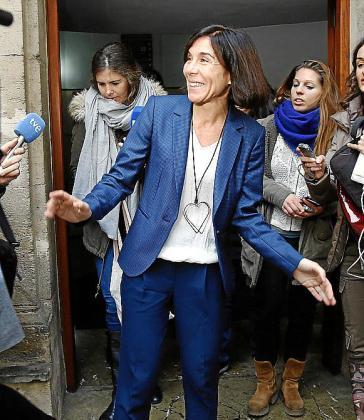 Pilar Carbonell a su salida de los juzgados.