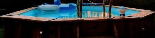 Imagen de una típica piscina desmontable que se instalan en terrazas y plantas bajas.