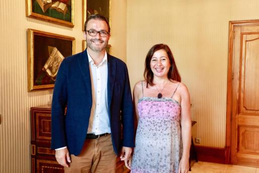 El alcalde José Hila y Francina Armengol, presidenta del Govern, tras el encuentro celebrado este miércoles.