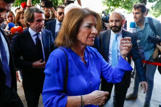 Imagen de archivo de la exalcaldesa de Madrid, Ana Botella, junto al expresidente del Gobierno José María Aznar.