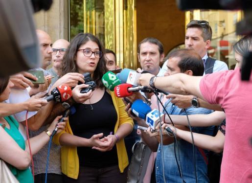 La diputada de Unidas Podemos (UP) por Podemos, Raquel Romero, ha justificado este jueves su rechazo a apoyar a la candidata socialista a la Presidencia del Ejecutivo de La Rioja, Concha Andreu.