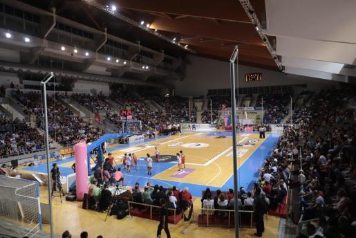 Panorámica del Palau d'Esports de Son Moix en el descanso de un partido del Iberojet Palma de la pasada temporada.